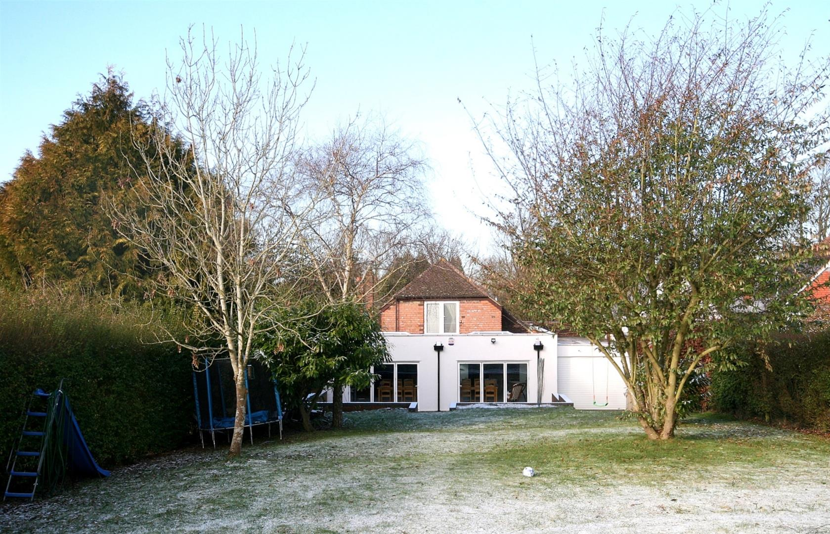 4 Bedrooms Detached House for sale in Tring Road, Dunstable, Beds